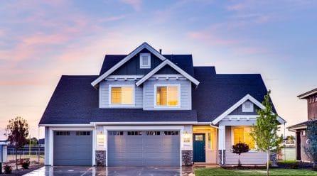 Choisir sa porte de garage : petit tour d'horizon