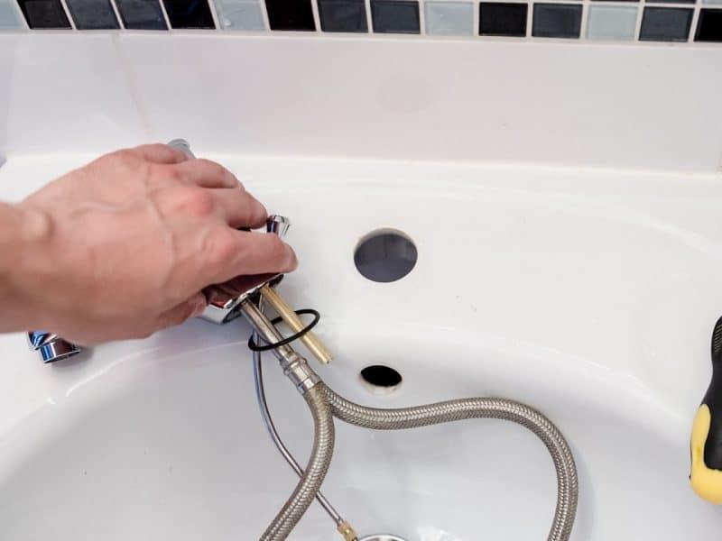 Pourquoi passer par une plateforme pour trouver un plombier ?