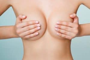 Pourquoi se laisser tenter par la chirurgie mammaire ?