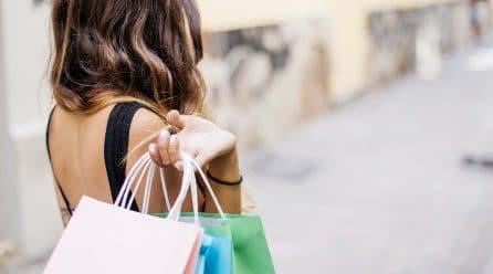 Utilisez les sacs publicitaires pour une publicité à moindre frais